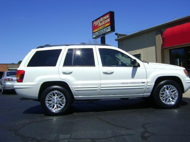 2004 jeep grand cherokee limited for sale in zeeland michigan classified. Black Bedroom Furniture Sets. Home Design Ideas