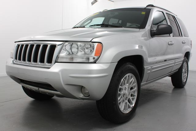 2004 jeep grand cherokee limited for sale in muskegon michigan classified. Black Bedroom Furniture Sets. Home Design Ideas