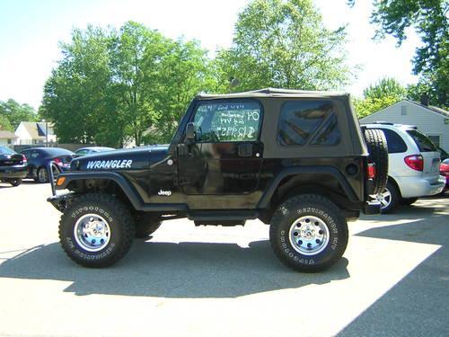 2004 jeep wrangler se soft top 4wd 6cyl 5spd manual trans for sale in mishawaka indiana. Black Bedroom Furniture Sets. Home Design Ideas