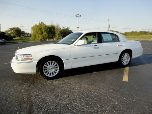 2004 lincoln town car 4 dr sedan signature for sale in mineral wells mississippi classified. Black Bedroom Furniture Sets. Home Design Ideas