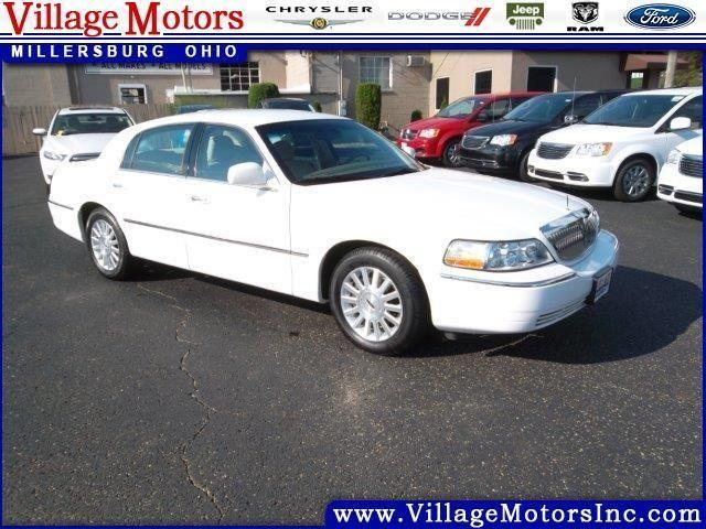 2004 lincoln town car 4d sedan signature for sale in becks mills ohio classified. Black Bedroom Furniture Sets. Home Design Ideas