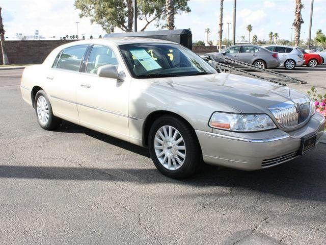 2004 lincoln town car signature for sale in tucson arizona classified. Black Bedroom Furniture Sets. Home Design Ideas