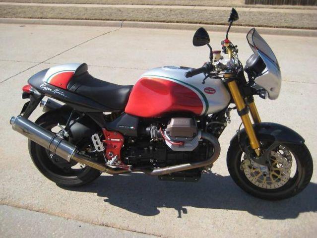 2004 Moto Guzzi V11 Coppa Italia - Moto.ZombDrive.COM