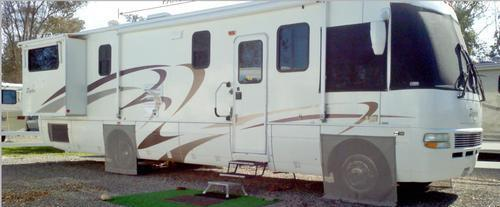 2004 National RV Dolphin 5355