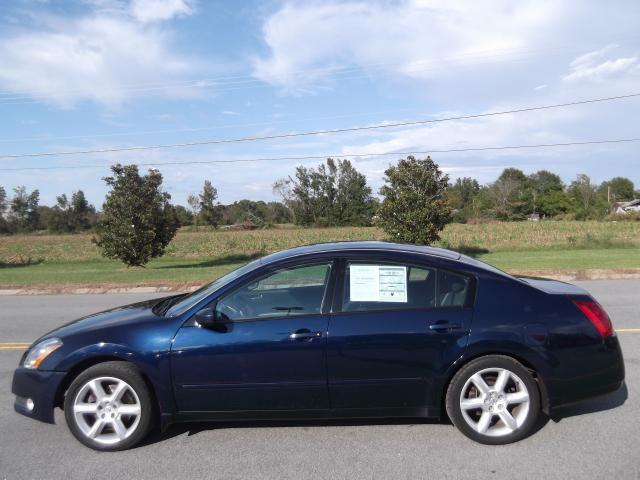 2004 nissan maxima sl for sale in farmville north. Black Bedroom Furniture Sets. Home Design Ideas