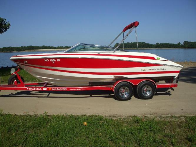 2004 Regal 2200 BR for $4000