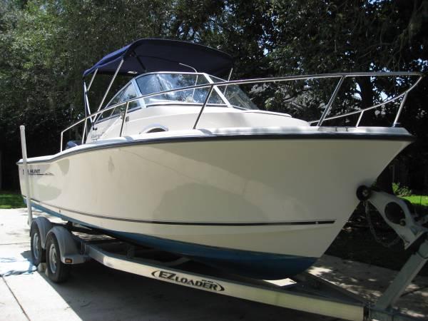 2004 Sea Hunt Victory 215 W/A - $20900