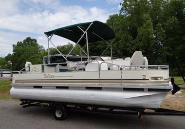 2004 Tahow Blueridge Fish-N-Fun Boat with Trailer