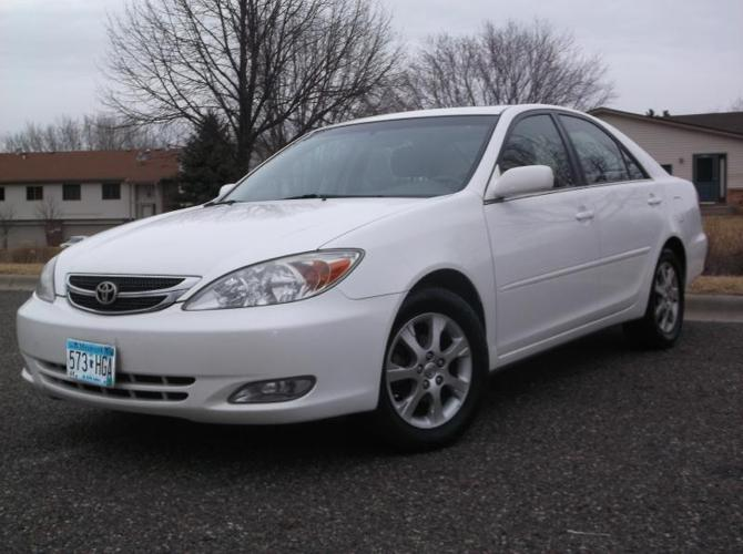 2004 toyota camry le for sale in oakdale minnesota. Black Bedroom Furniture Sets. Home Design Ideas