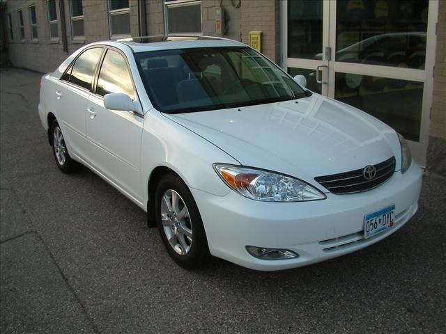 2004 toyota camry xle for sale in excelsior minnesota. Black Bedroom Furniture Sets. Home Design Ideas