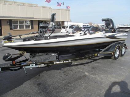 2004 triton tr 21xdc 21ft bass boat mercury optimax. Black Bedroom Furniture Sets. Home Design Ideas