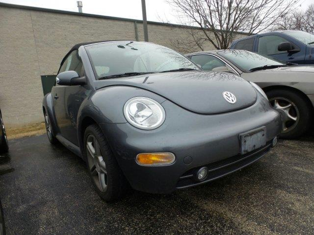 2004 volkswagen new beetle gls 2dr gls 1 8t turbo convertible for sale in gages lake illinois. Black Bedroom Furniture Sets. Home Design Ideas