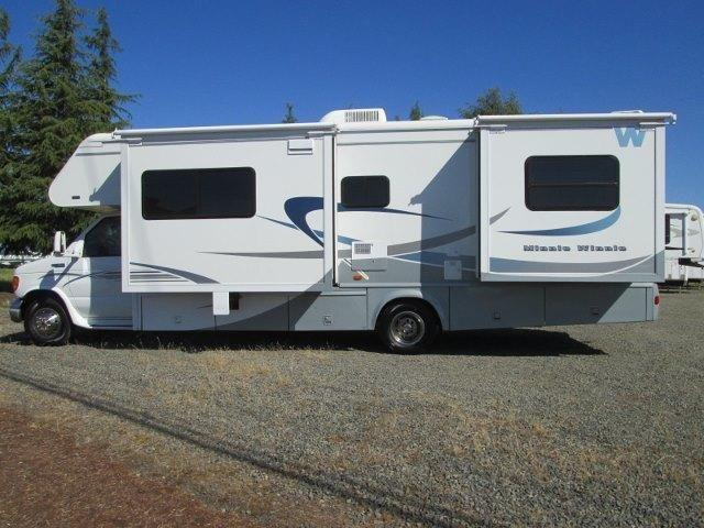2004 Winnebago Minnie Winnie 30ft Class C Sale Pending