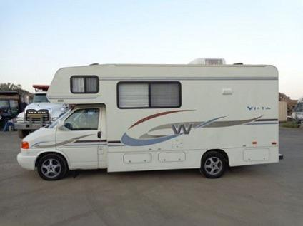 2004 Winnebago Vista