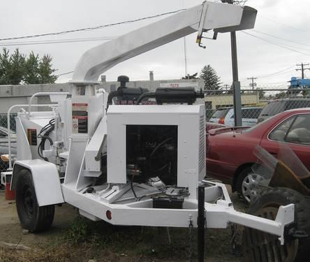 2004 Wood Chuck Hyroller 1200 Chipper White