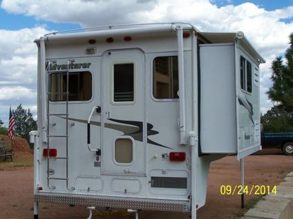2005 Adventurer 106dbs Truck Camper Wslideout And