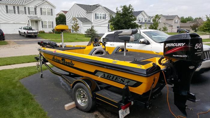 2005 Aries Bass Boat