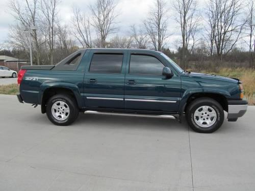 2005 chevrolet avalanche crew cab pickup 1500 5dr crew cab 130 wb for sale in barrington. Black Bedroom Furniture Sets. Home Design Ideas