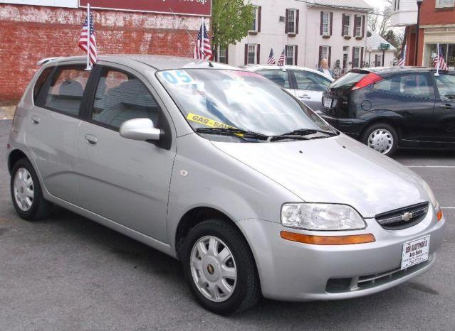2005 chevrolet aveo lt hatchback silver awesome gas. Black Bedroom Furniture Sets. Home Design Ideas