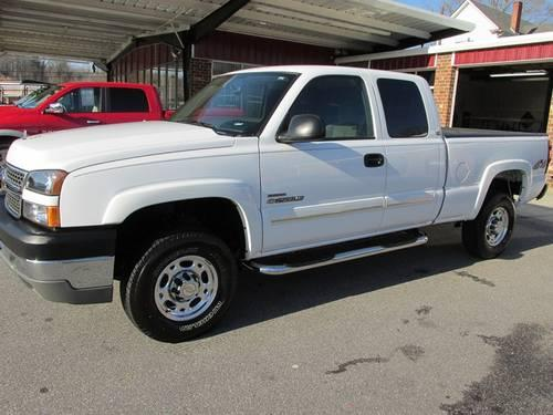 2005 chevrolet silverado 2500 4x4 duramax diesel 32k miles for sale in goshen north. Black Bedroom Furniture Sets. Home Design Ideas