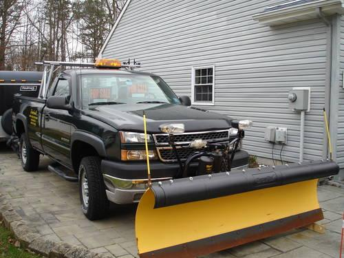 2005 chevy silverado lt 2500 hd 4wd w plow only 26 000. Black Bedroom Furniture Sets. Home Design Ideas