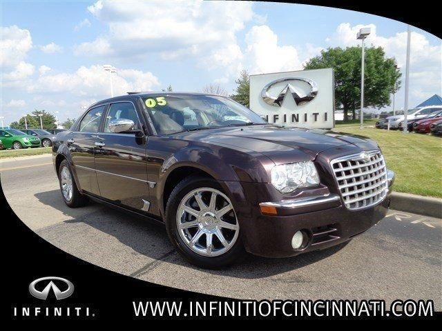 2005 chrysler 300 4dr car 300c for sale in symmes township ohio classified. Black Bedroom Furniture Sets. Home Design Ideas