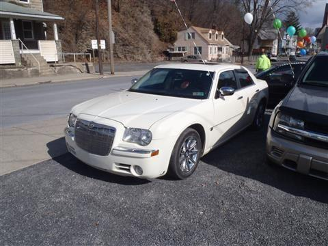 2005 chrysler 300 sedan 300c sedan 4d for sale in barbours pennsylvania classified. Black Bedroom Furniture Sets. Home Design Ideas