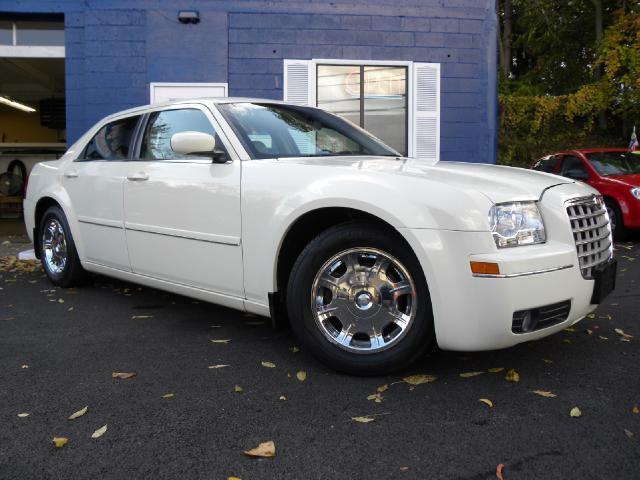2005 chrysler 300 touring for sale in uniontown. Black Bedroom Furniture Sets. Home Design Ideas