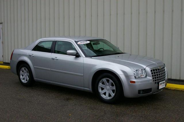 2005 chrysler 300 touring for sale in grinnell iowa. Black Bedroom Furniture Sets. Home Design Ideas