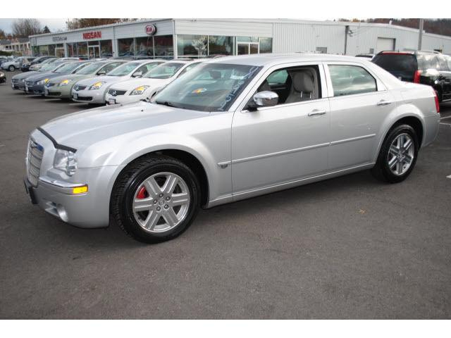 2005 chrysler 300c base for sale in new hampton new york classified. Black Bedroom Furniture Sets. Home Design Ideas