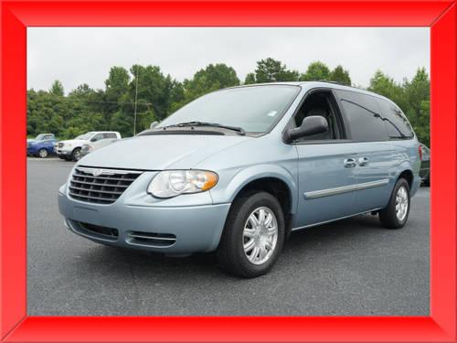 2005 chrysler town and country extended mini van touring. Black Bedroom Furniture Sets. Home Design Ideas