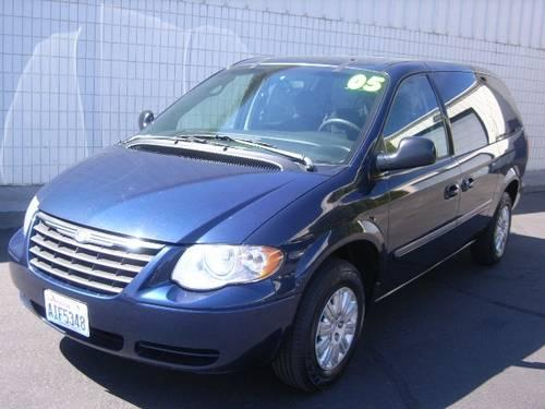 2005 chrysler town and country front wheel drive lwb. Black Bedroom Furniture Sets. Home Design Ideas