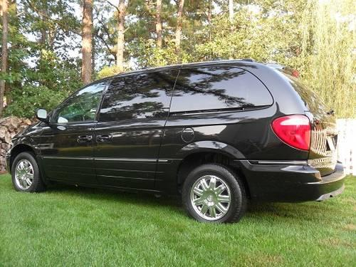 2005 chrysler town and country limited for sale in browns mills new jersey classified. Black Bedroom Furniture Sets. Home Design Ideas