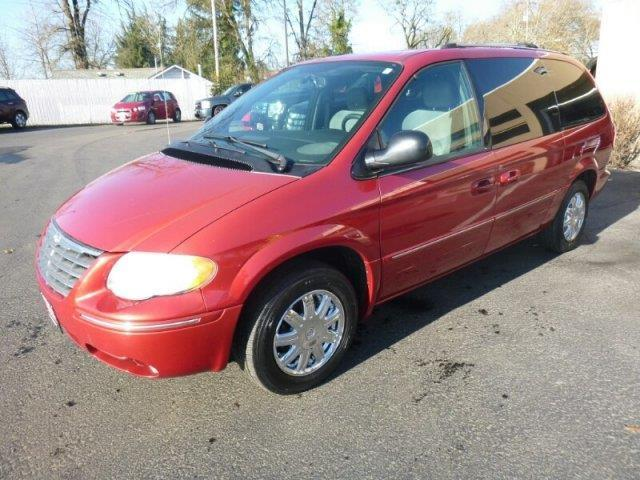 2005 Chrysler Town and Country Limited Limited 4dr
