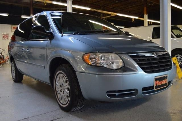 2005 chrysler town country for sale in akron ohio classified. Black Bedroom Furniture Sets. Home Design Ideas