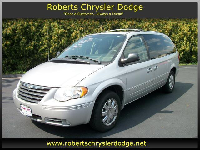 2005 chrysler town country limited for sale in meriden connecticut classified. Black Bedroom Furniture Sets. Home Design Ideas