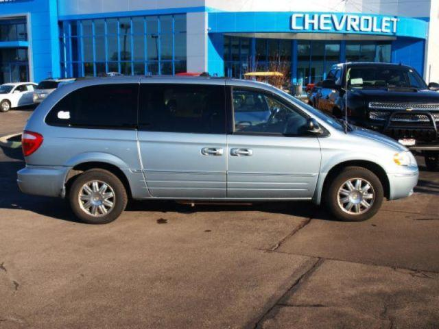 2005 chrysler town country limited for sale in o fallon missouri classified. Black Bedroom Furniture Sets. Home Design Ideas