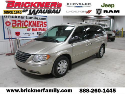 2005 Chrysler Town & Country Limited Wausau, WI