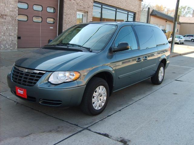 2005 Chrysler Town Amp Country Lx For Sale In Kaukauna