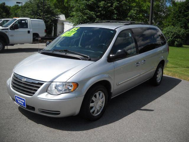 2005 chrysler town country touring for sale in avon new york classified. Black Bedroom Furniture Sets. Home Design Ideas