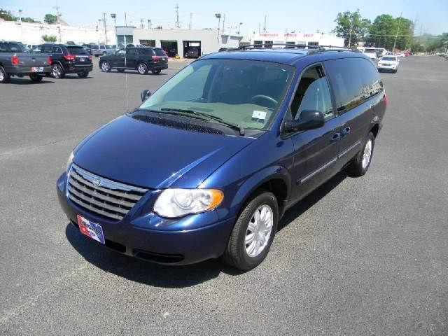 2005 Chrysler Town Amp Country Touring For Sale In Millville