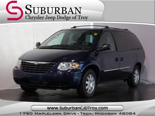 2005 chrysler town country touring for sale in troy michigan classified. Black Bedroom Furniture Sets. Home Design Ideas