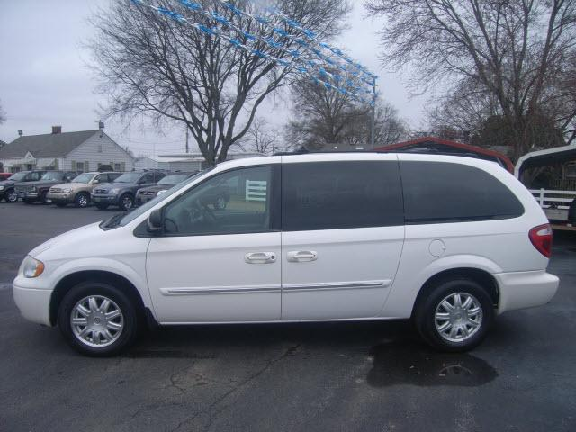 2005 chrysler town country touring decatur al for sale in decatur alabama classified. Black Bedroom Furniture Sets. Home Design Ideas