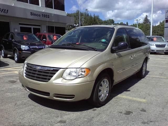 2005 chrysler town country touring for sale in cedarville illinois classified. Black Bedroom Furniture Sets. Home Design Ideas