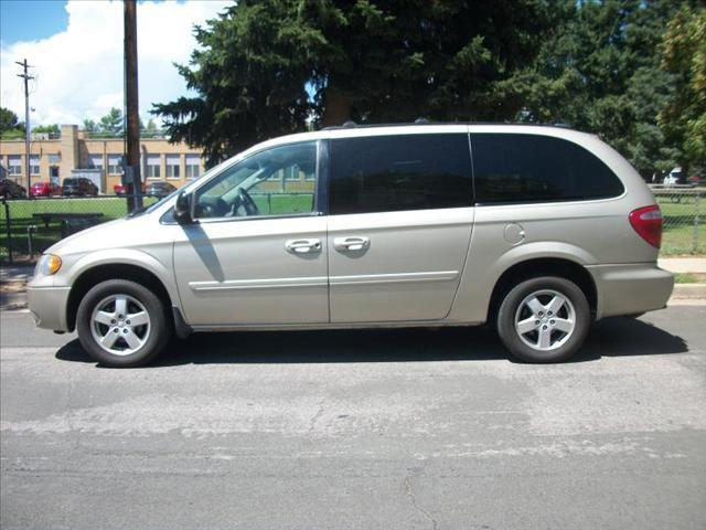 2005 dodge grand caravan sxt for sale in englewood. Black Bedroom Furniture Sets. Home Design Ideas