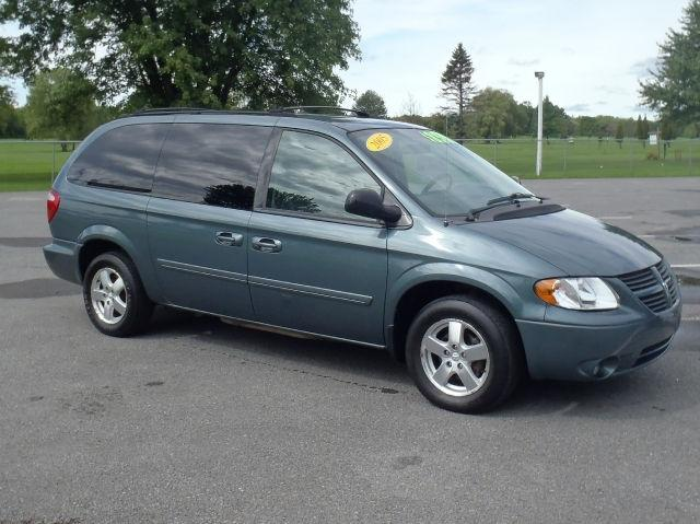 2005 dodge grand caravan sxt for sale in brewerton new. Black Bedroom Furniture Sets. Home Design Ideas