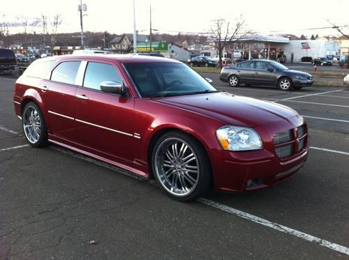 2005 dodge magnum r t loaded 22 39 rims dvd and much more for sale in chestnut ridge new york. Black Bedroom Furniture Sets. Home Design Ideas