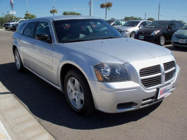 2005 dodge magnum se 2005 dodge magnum se car for sale in ontario or 4367258918 used cars. Black Bedroom Furniture Sets. Home Design Ideas