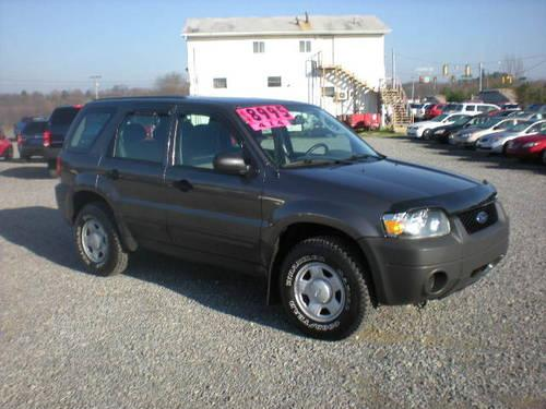 2005 ford escape xls 4wd for sale in butler pennsylvania classified. Black Bedroom Furniture Sets. Home Design Ideas