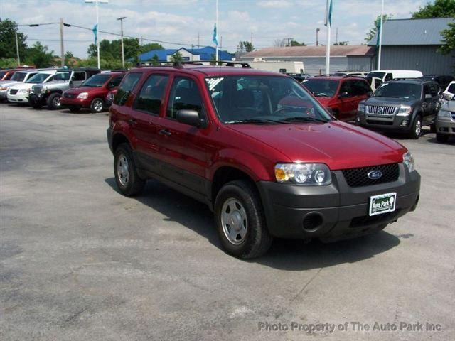 2005 ford escape xls for sale in south bend indiana. Black Bedroom Furniture Sets. Home Design Ideas